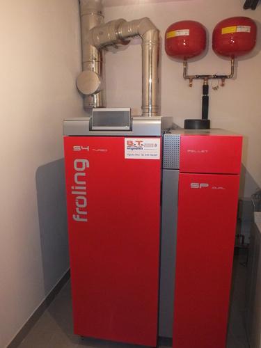 Riqualificazione villa con impianto di riscaldamento e produzione di acqua calda sanitaria con caldaia combinata legna/pellet - 1